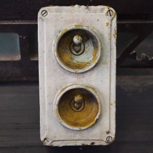 vintage_factory_lightswitch