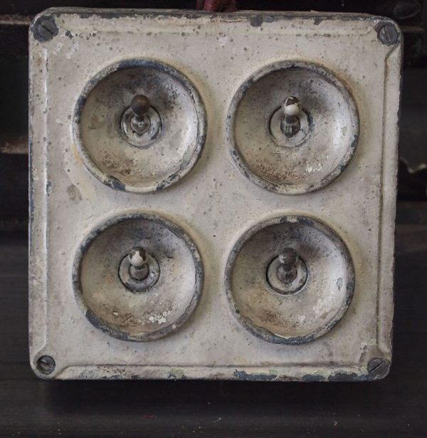 vintage_factory_lightswitch3