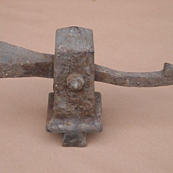 antique-gravity-gatecatch1